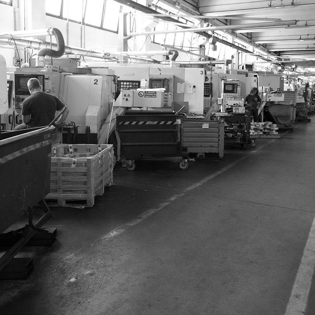 Industrie TCM _ 5 stazioni robotizzate 3